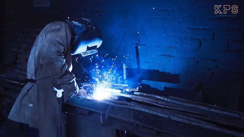 teknik dan cara mengelas besi yang perlu diketahui