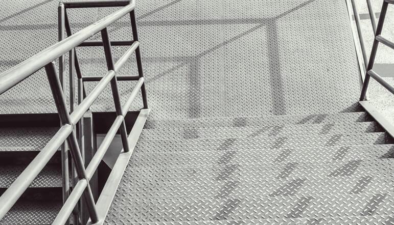 mengenal kegunaan besi plat untuk konstruksi bangunan