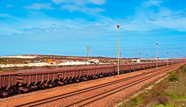 tahukah-anda-salah-satu-rangkaian-rel-kereta-api-terbuat-dari-besi-baja